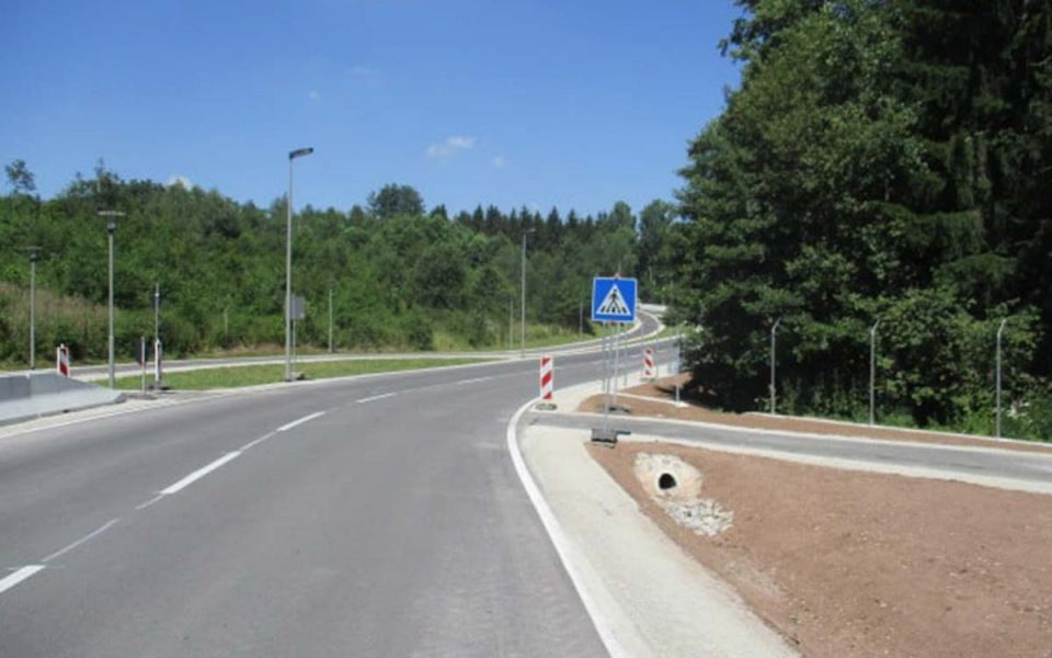 Fertigstellung des Fahrbahnausbaus bei der US Kaserne Katterbach