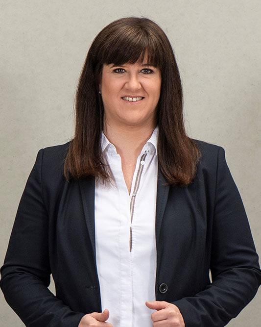 Eva-Maria Glöckle tritt 2006 in die GW-Immobiliensgesellschaft-GmbH ein.