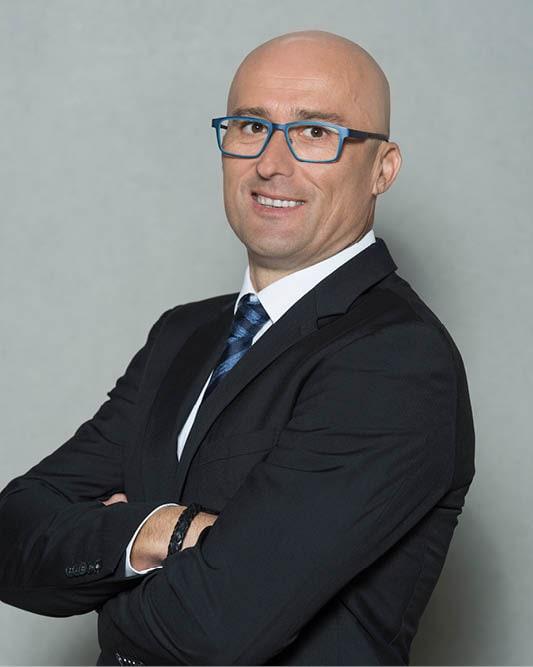 Roland Fahlbusch ist Geschäftsführer der Bauunternehmung Glöckle Baustoffwerke GmbH in Grafenrheinfeld sowie Geschäftsführer der TB Transportbeton Glöckle