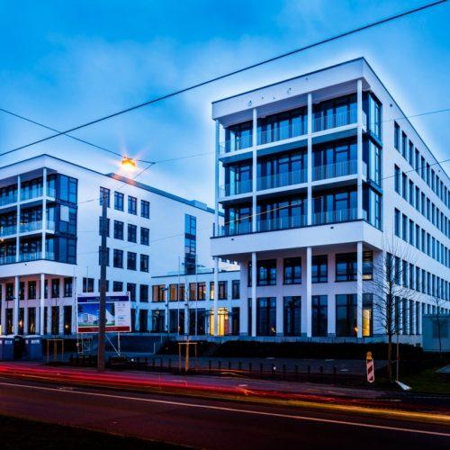 Neues Bürogebäude in Nürnberg bei Nacht