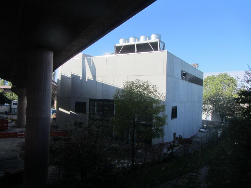 Gebäudehülle aus Sandwichelementen als Stahlbetonfertigteile