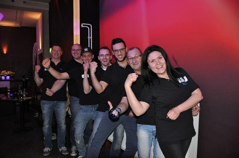 Team der GLÖCKLE-Strikers: v.V. Julia Lutz, Elmar Jander, Michael Ullrich, Andreas Verbitschi, Jannik Nagler, Martin Söllner und Vaceslav Hartwich