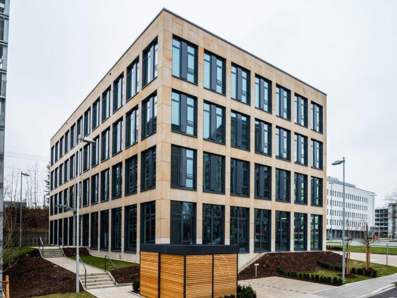 Kopfbau DIBAG Büro mit Bank, Nürnberg-1