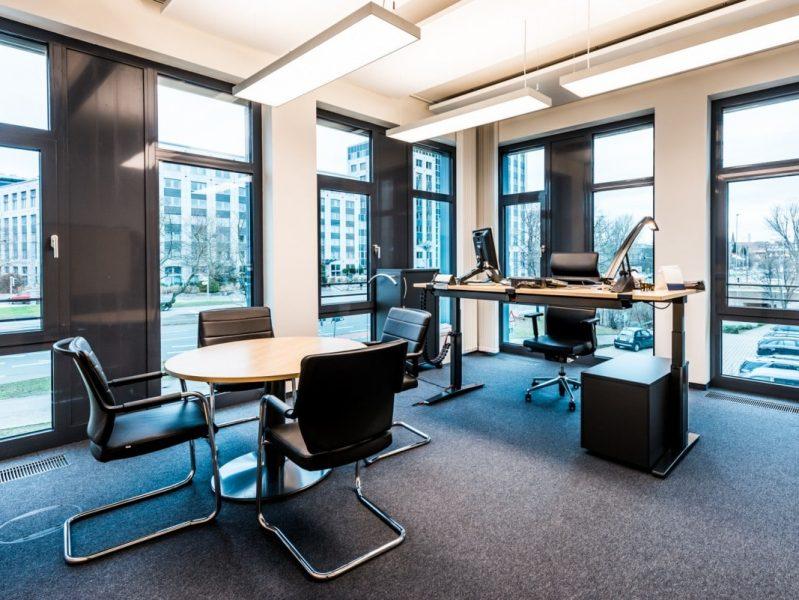Kopfbau DIBAG Büro mit Bank, Nürnberg-2