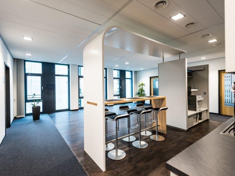 Kopfbau DIBAG Büro mit Bank, Nürnberg-3