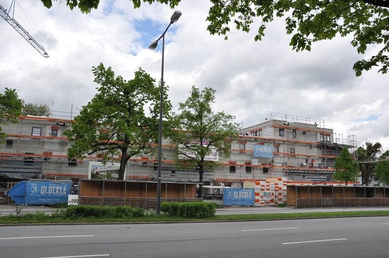 Rohbau einer neuen Wohnanlage mit Tiefgarage in Nürnberg
