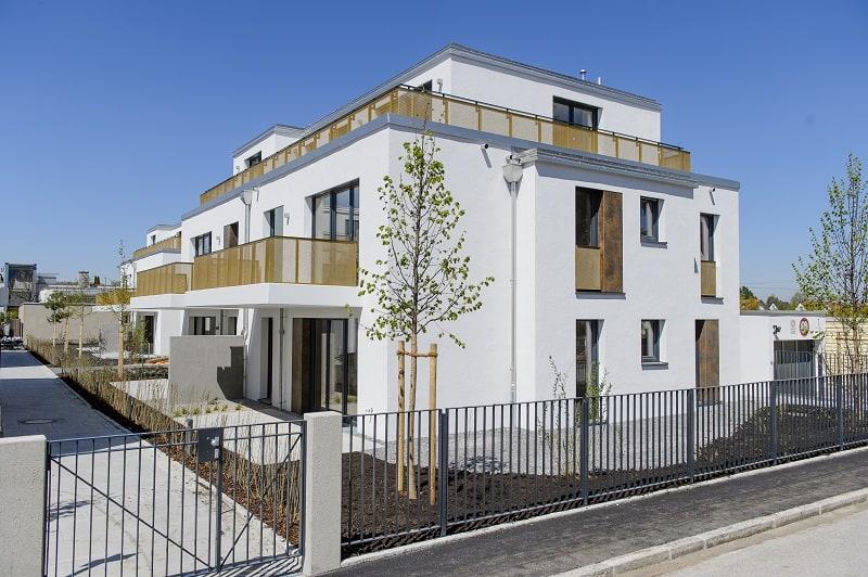Ansicht eines 2-geschossigen neuen Punkthauses in München