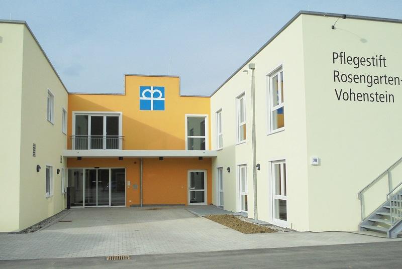 Eingangsbereich des neuen Pflegestift Rosengarten-Vohenstein