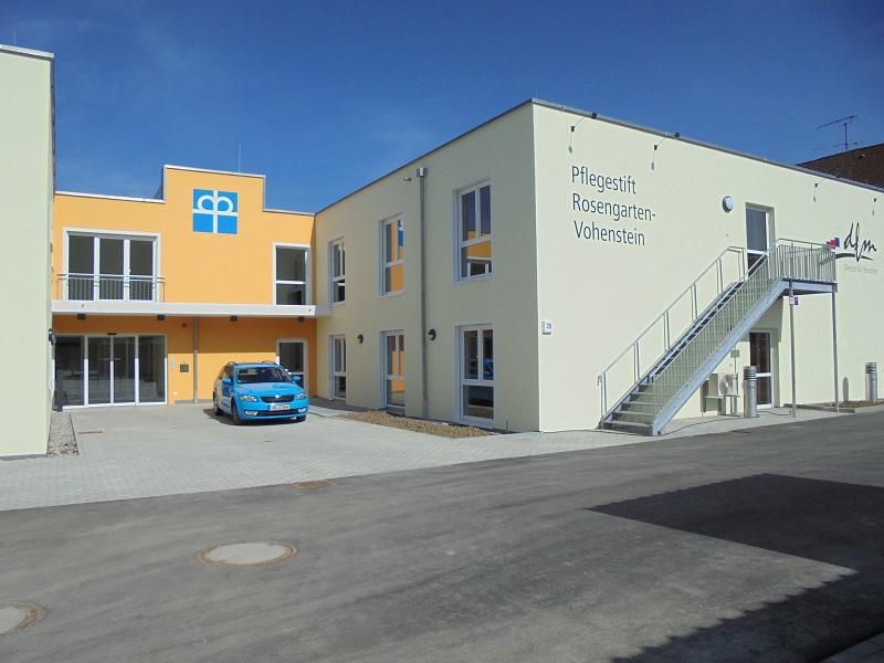 Eingangsbereich zum Pflegestift Rosengarten-Vohenstein