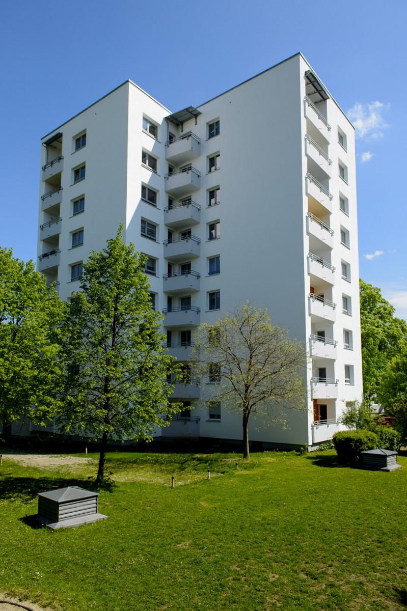 Wohnanlage sieht nach Sanierung wieder top-modern aus