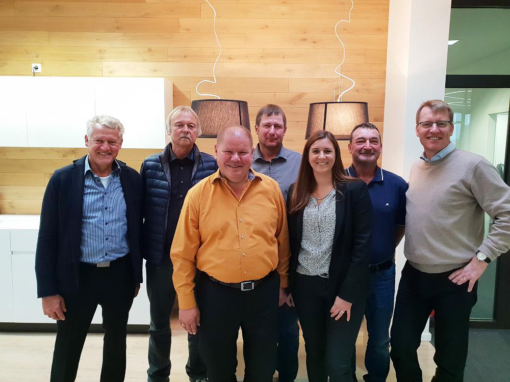 Gruppenbild der GLÖCKLE Jubilare mit der Geschäftsleitung