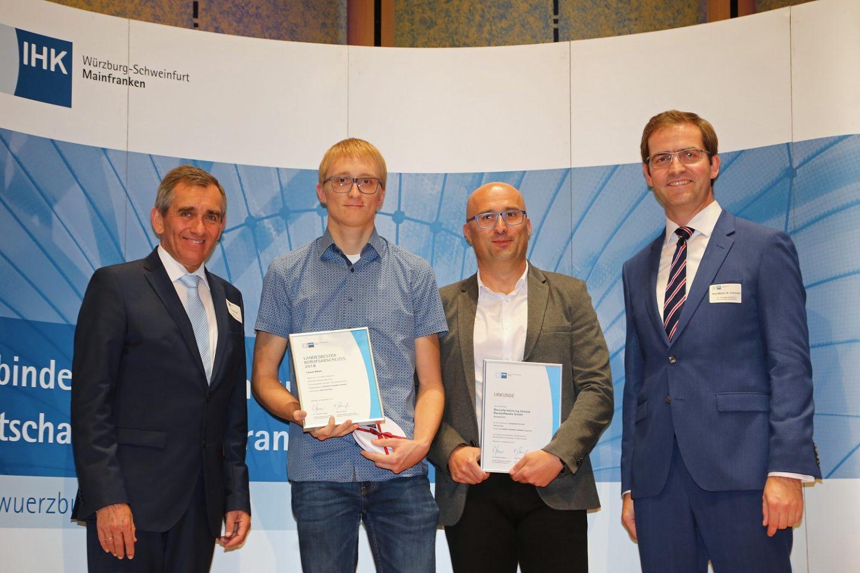 Glöckle Azubi Linus Klein wird von der IHK Würzburg-Schweinfurt zum Landes- und Kammersieger in seinem Ausbildungsberuf zum Aufbereitungsmechaniker Fachrichtung Sand und Kies geehrt