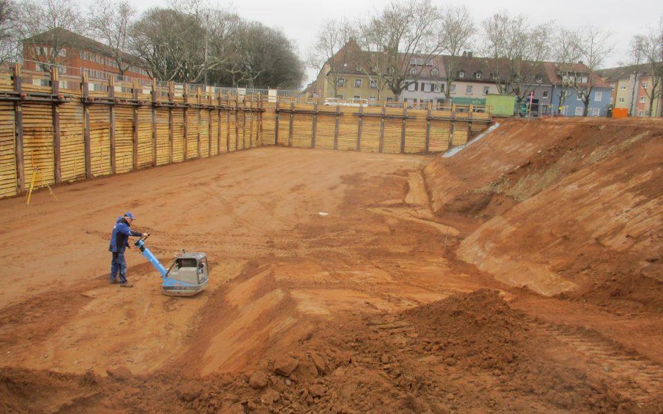 Die Erdarbeiten für die weiteren Baumaßnahmen an der Ledward-Kaserne sind in vollem Gange