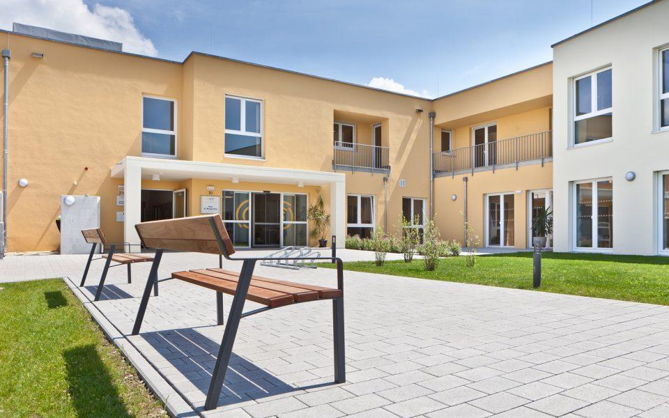 Barrierefreie Ein- und Ausgänge im Pflegezentrum Lichtenau-Ulm
