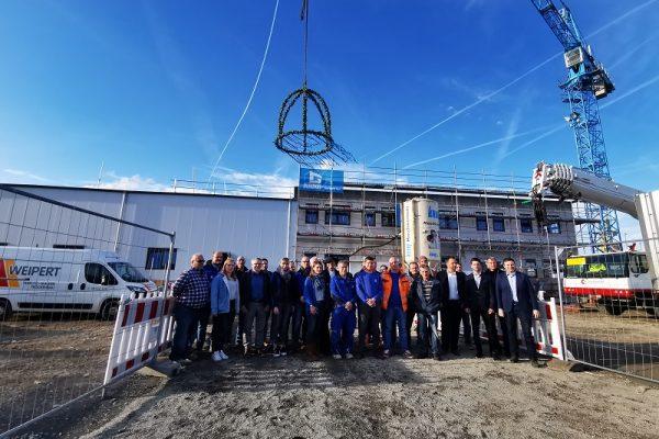 GLÖCKLE-Team zusammen mit Geschäftsführer Mirko Denzer (1.v.r.)