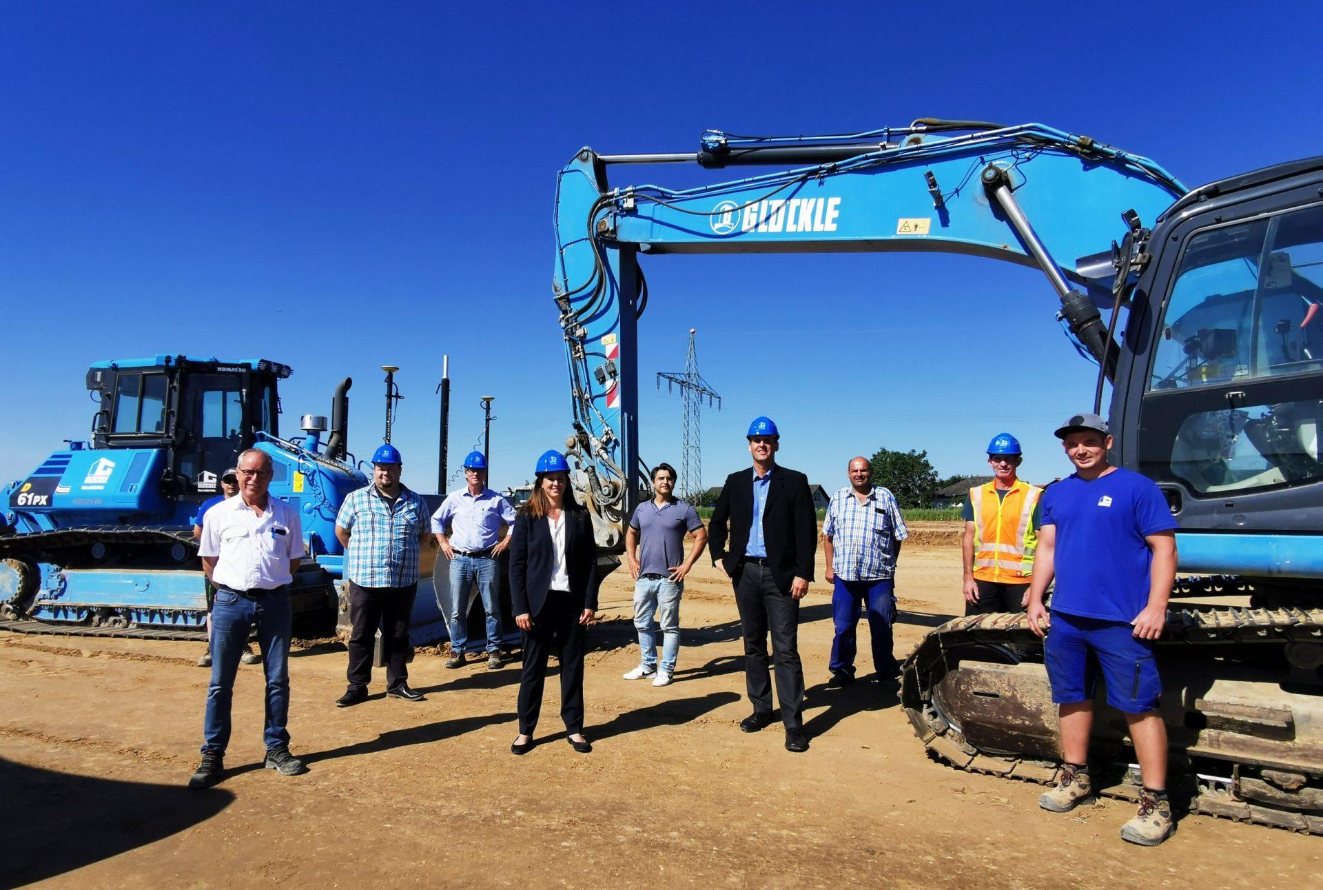 GLÖCKLE Team beim Spatenstich für den Neubau der Fa. ALDE in Euerbach